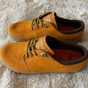 Nike SB bronze shoes